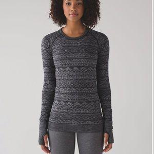 Lululemon restless pullover size 4